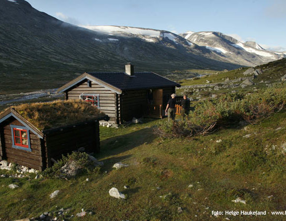 overnatting i hytte i Lundadalen. Foto: Helge Haukeland